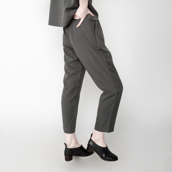 7115 by Szeki Pleated Trouser - Gray FW16
