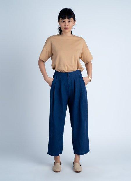 Unisex KAAREM Waxy Pleated Tapered Cropped Pant - Salt Blue