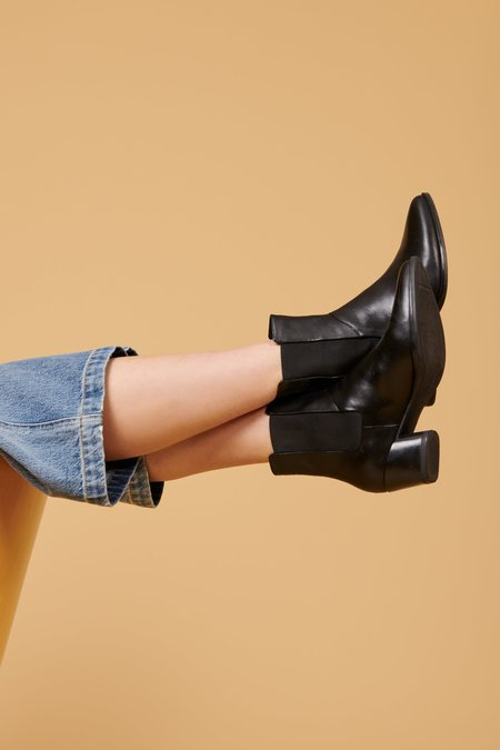 Vagabond Laura Chelsea Boot - Black