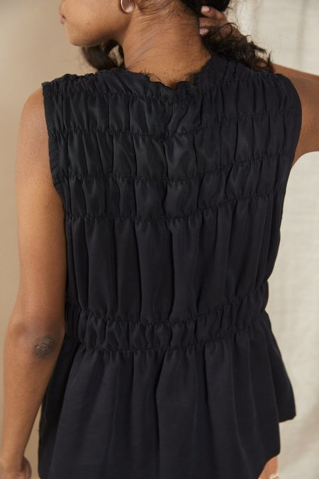 Lois Hazel Scrunch Top - Black