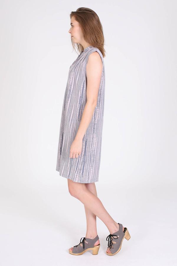 The Podolls Pleatneck dress in Asawa print