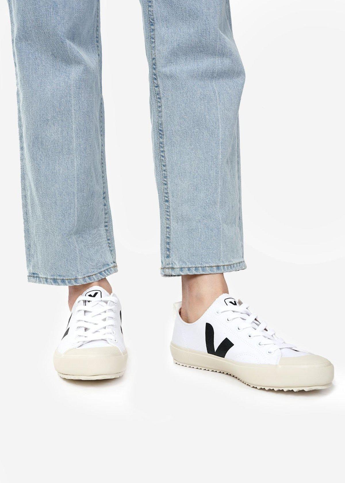 Unisex VEJA Nova Sneakers - White/Black