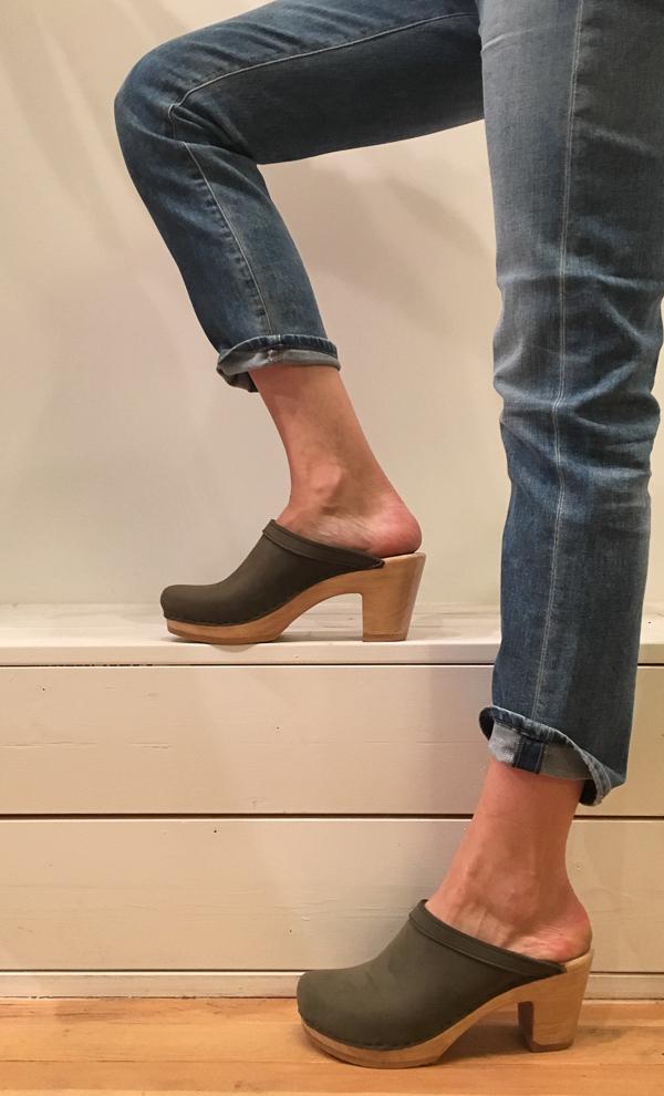 no. 6 old school clog - high heel