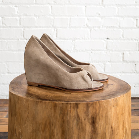 Martha Davis Twist Wedge