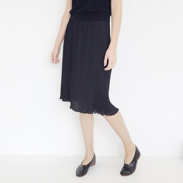 Johan Vintage Black Pleated Skirt