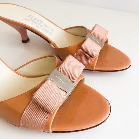 [pre-loved] Salvatore Ferragamo Bow Sandals - Orange
