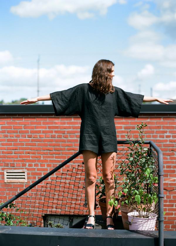 Nahanni Arntzen short black jumper