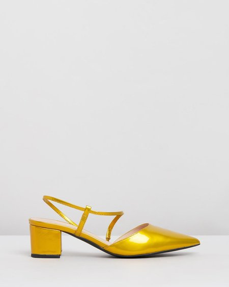 """""""INTENTIONALLY __________."""" Viv sandals - Coin"""