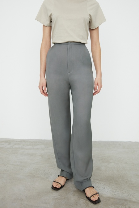 Totême ARLES HIGH WAISTED LONG TROUSERS WITH STRAIGHT LEGS