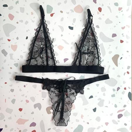 Only Hearts Between Lovers Lace up Bra and Thong Gift Set - Black