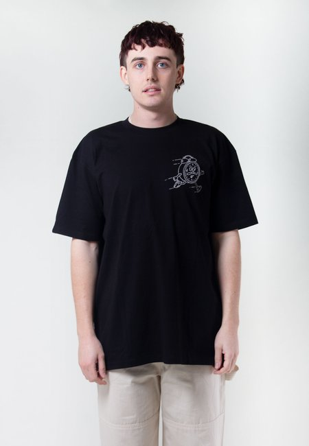 GOOD AS GOLD Always Moving But Not Going Anywhere Tshirt - Black/Grey