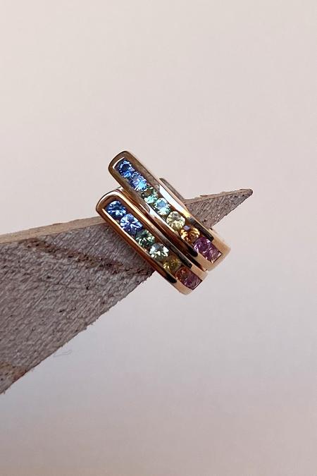 Primary New York 18K J Huggies - Rainbow Sapphires