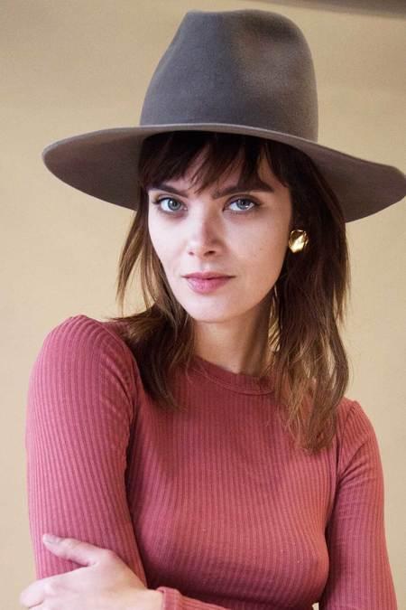 Janessa Leone Rennie Hat - Taupe