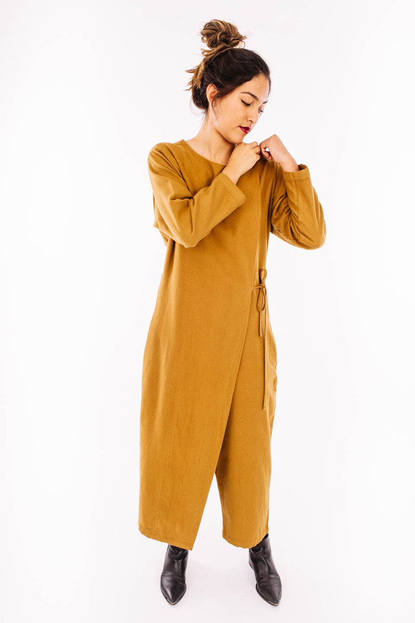 Black Crane Folding Jumper (Gold Brown)