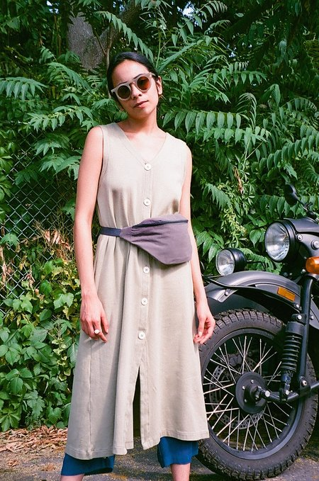 Colorant THEO VEST DRESS - SAGE