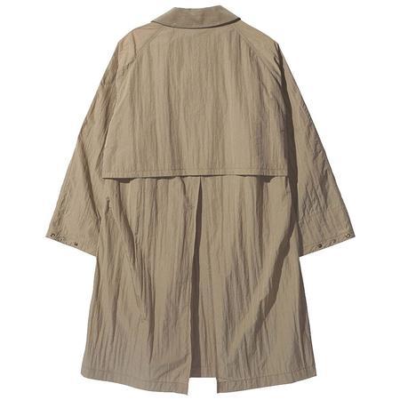 Nanamica Soutien Collar Coat - Beige
