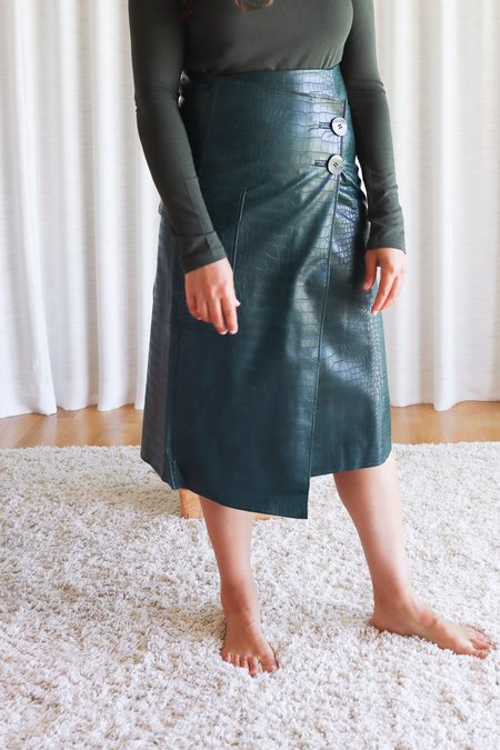 Mijeong Park Croc Embossed Faux Leather Skirt - Green
