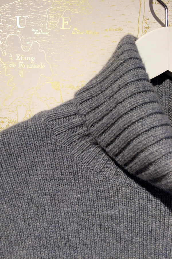 Cashmere 'Oversized' Turtleneck Sweater
