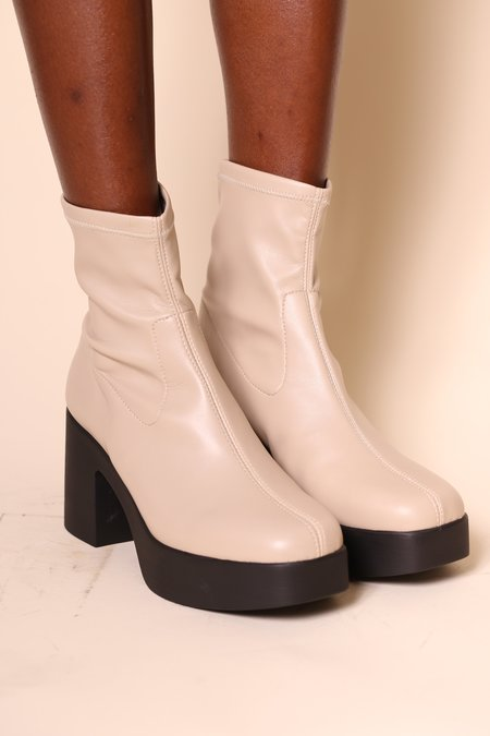 """INTENTIONALLY __________."" Marlowe Boots - Clouds Vegan"