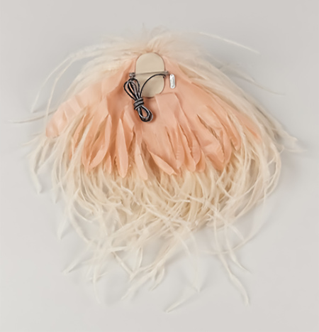 INDRESS Annapurna Ostrich Feather Brooch Hairpiece - Nude