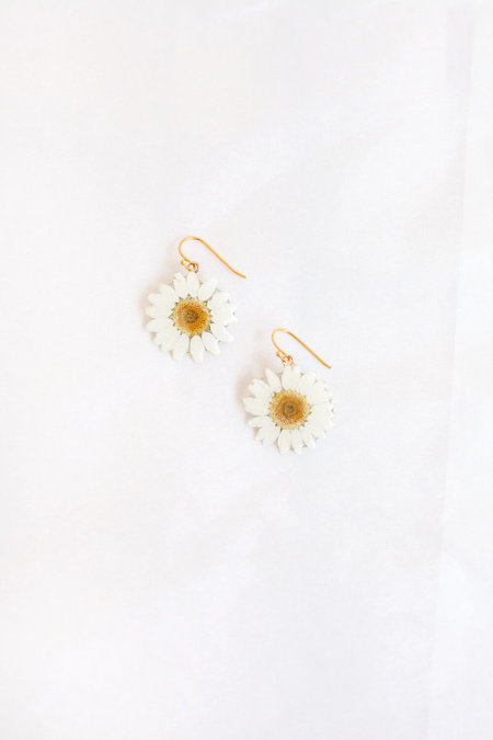 DAUPHINETTE Mini Daisy Earrings - White/Yellow