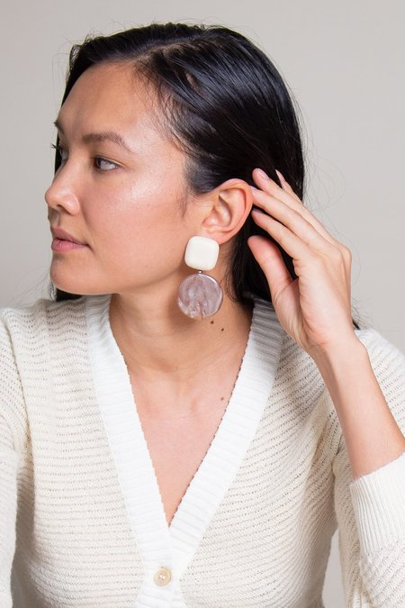 Rachel Comey Arc Earring - Ivory/Pink Pearl