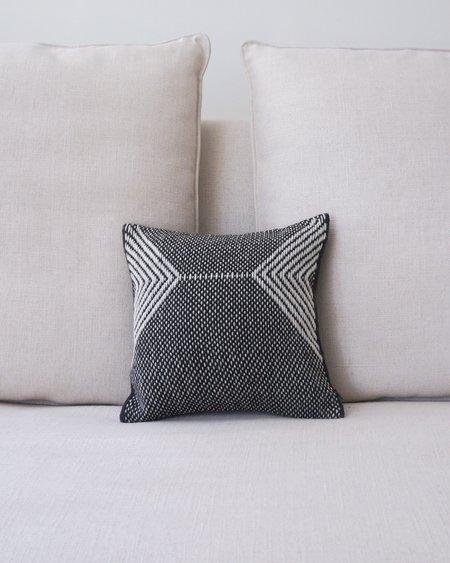 VOZ Montañas Square Pillow - Black/Ivory