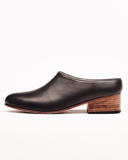 Nisolo Sofia Slip-On - Black