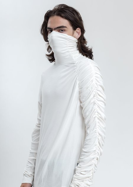 LUKEWARMPEOPLE Twisted Turtleneck - White