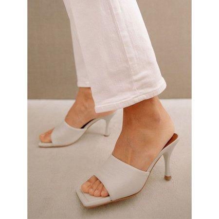Alohas Puffy Heels - White