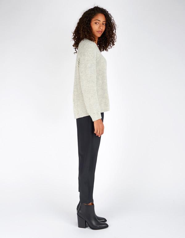 Ali Golden V-Neck Pullover Sweater Grey White Melange