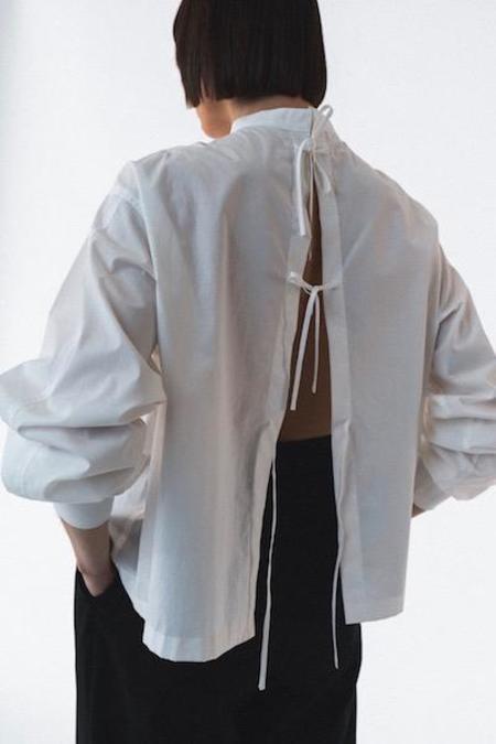 AMOMENTO Back Open Top - White
