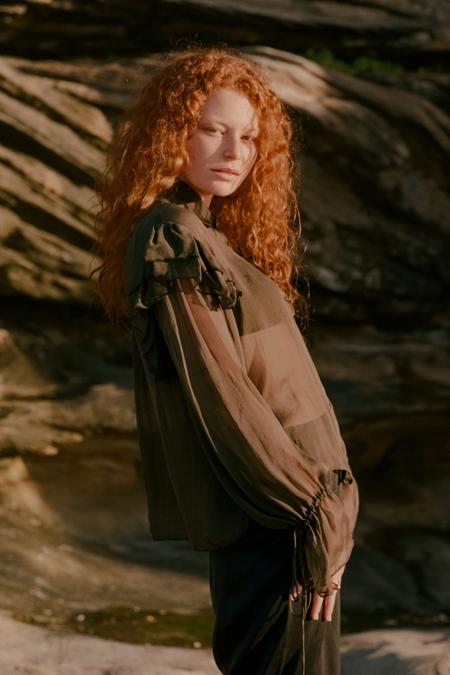 ANNIE HAMILTON Ruffle Shirt - Olive