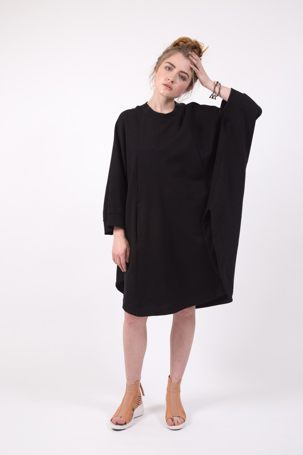 Kowtow Pay Attention Cape