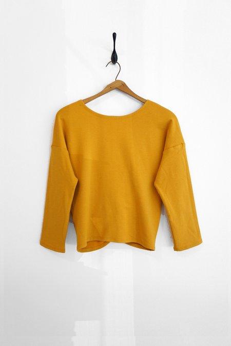 Ursa Minor Studio TWIST sweater - DAFFODIL