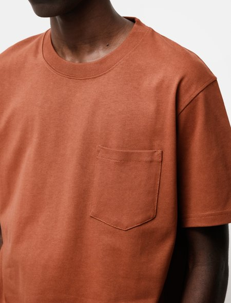 Norse Projects Johannes Pocket SS Tee - Madder Brown