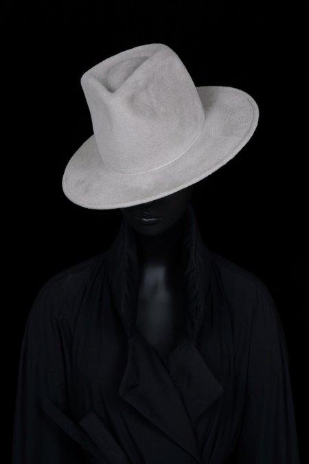 Esenshel Tear Tall Round Brim Hat