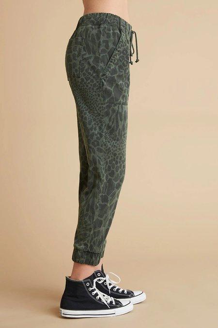Bella Dahl Print Pocket Jogger Pant - Ivy