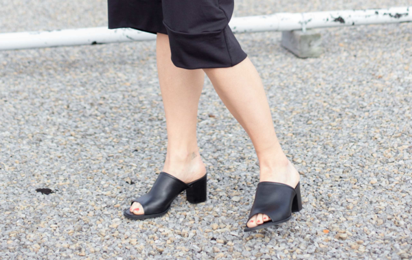 L'Intervalle Fendal Sandal - Black