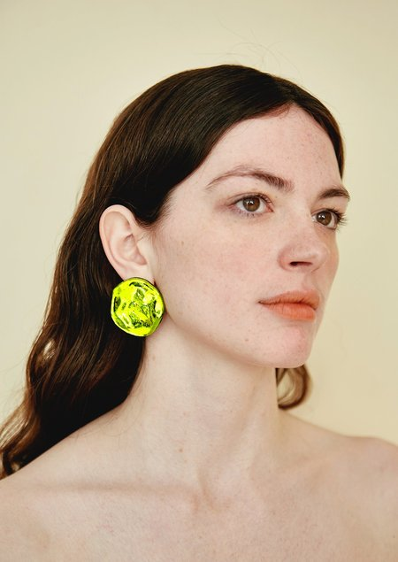 JULIE THÉVENOT REFLECTION CHARTREUSE EARRINGS - Silver Sterling/Lucite