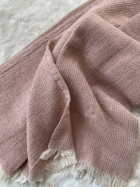 RAMBLE AND RAINE Cotton Waffle Weave Throw Blanket - Pink