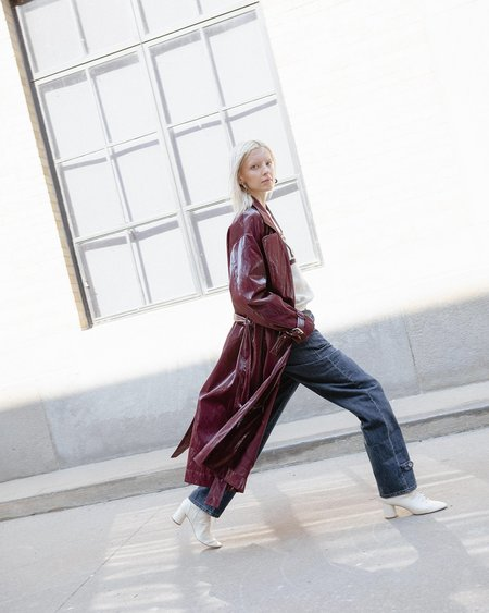 Nomia Shiny Belted Trench Coat - Burgundy