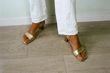 VINTAGE HUMAN SEA VINTAGE X JOAN Ankle Strap Sandals - Gold