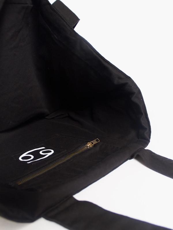 69 Tote Black