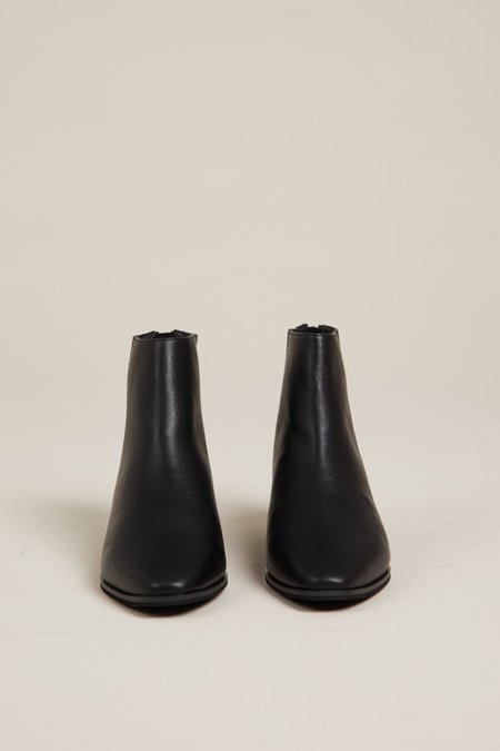 """""""INTENTIONALLY __________."""" Gary Boots - Black"""