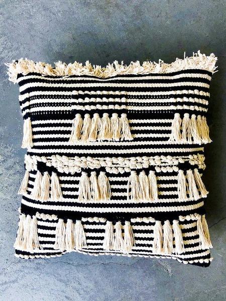 marramarket Tufted Moroccan Cotton Pillow  - Cream/ Black