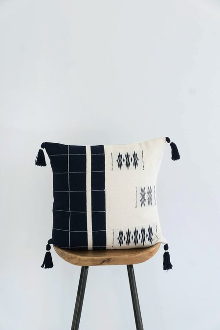 Karu nagaland cushion