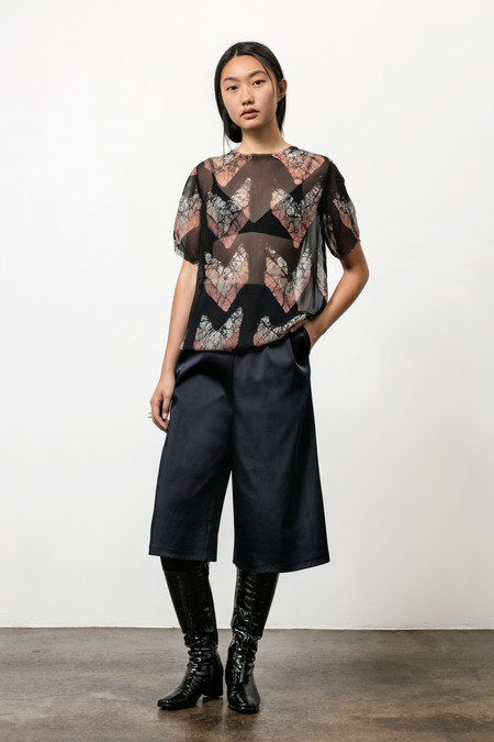 Osei-Duro Note T in Silk Chiffon Chevrons