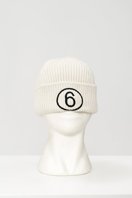MM6 Maison Margiela Embroidered number beanie - Off white