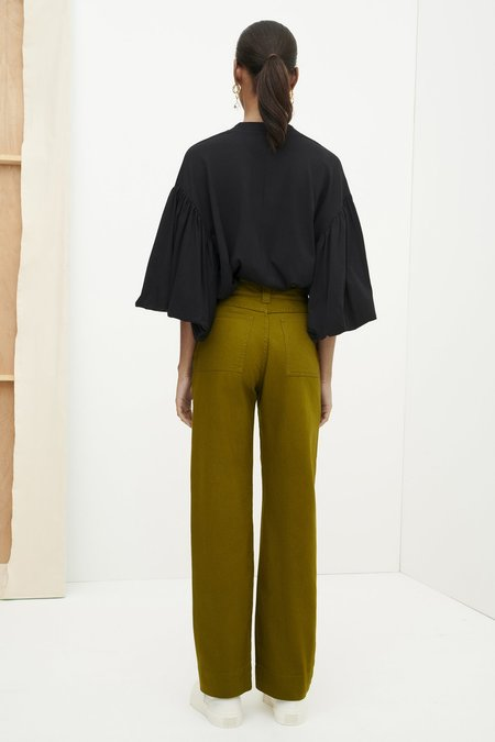 Kowtow Carpenter Jeans - olive
